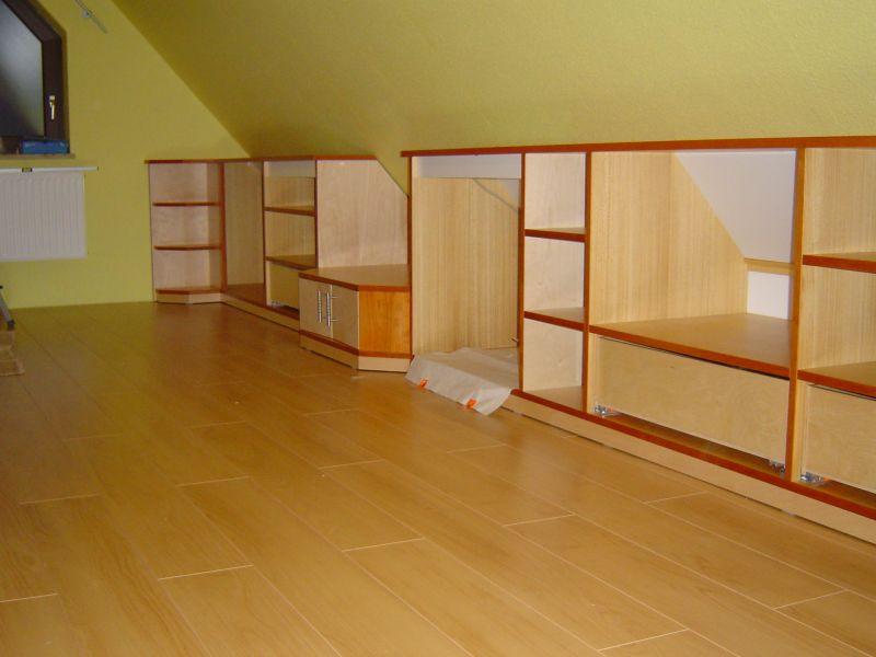 einbauschrank in dachschr ge aus kirschbaum und birke tischlerei waldmann. Black Bedroom Furniture Sets. Home Design Ideas